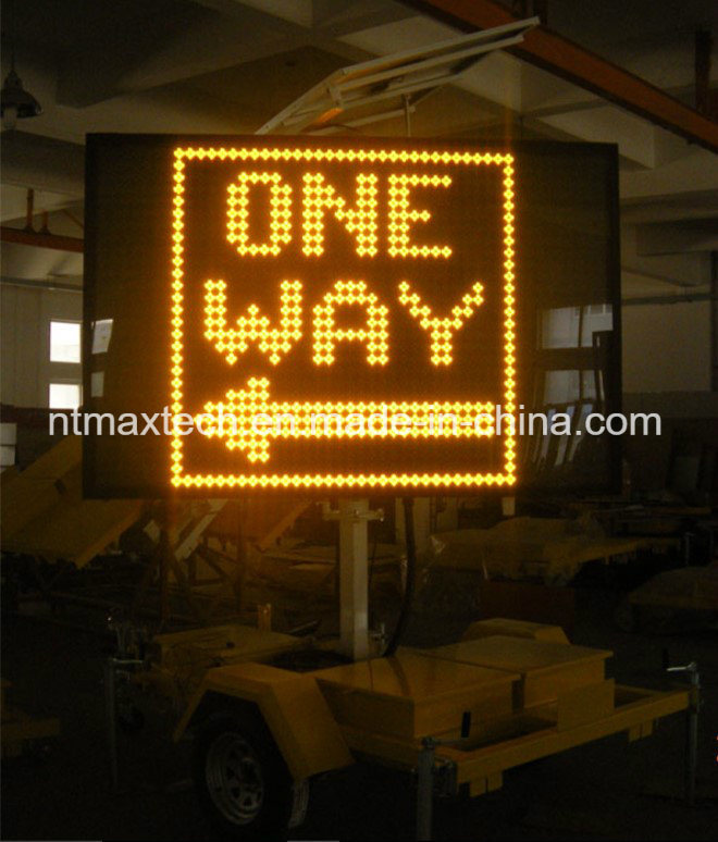 Solar Powered Single Colour Portable Remote-Able Programming Traffic Sign Ideally for Traffic Control and Road Safety