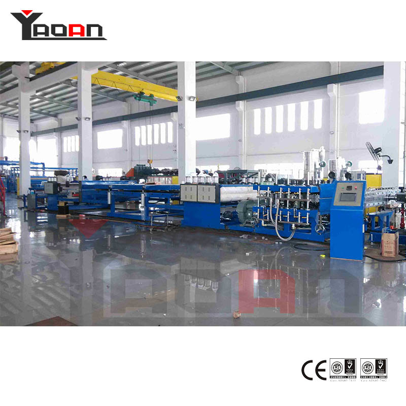PC PP Flute Hollow Profile Sheet Board Extrusion Machine Extruder