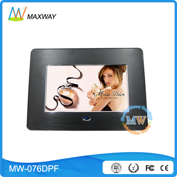 Plastic Material 7 Inch Digital Photo Frame with Battery Operated