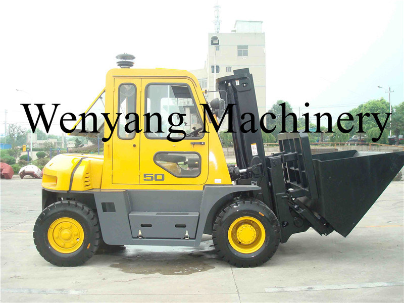 China 5ton Diesel Forklift with Full Cab with Dumping Bucket