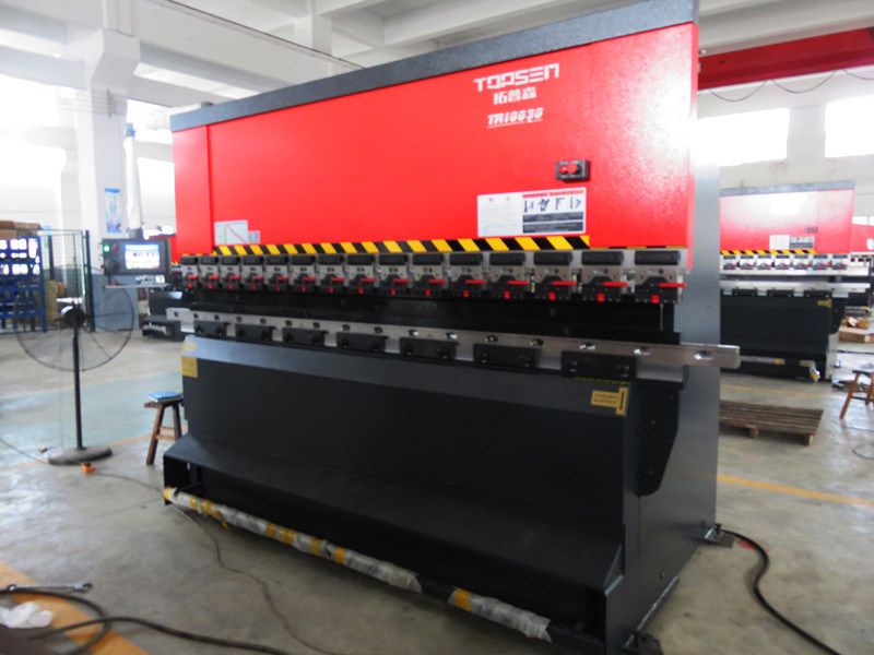 Tr10030 Amada Electro-Hydraulic Servo Sheet Metal Plate Under Drive CNC Press Brake