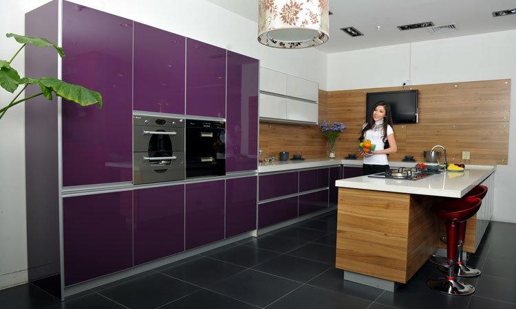 China High Gloss UV Lacquer Kitchen Cabinets China Wood Kitchen