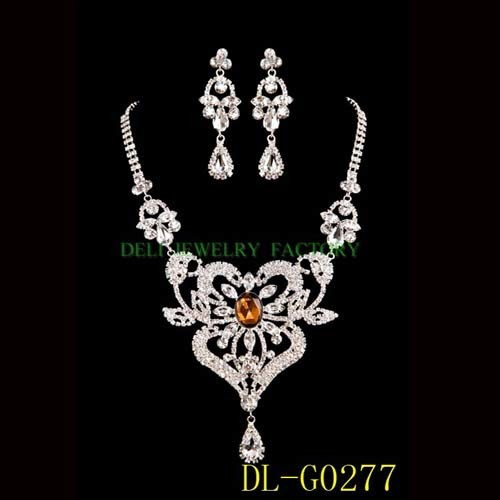 Outstanding Wedding Jewelry Necklace Sets 500 x 500 · 40 kB · jpeg