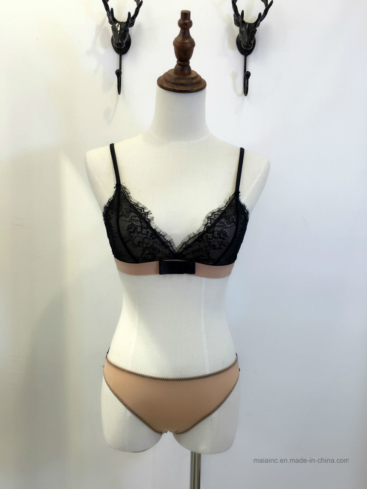 High Quality Ladies New Lace Bra Set