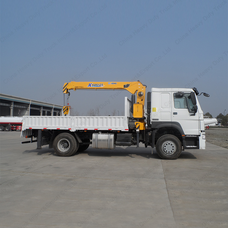 Sinotruk 4X2 Truck Mounted Straight Arm Crane of 3 Tons