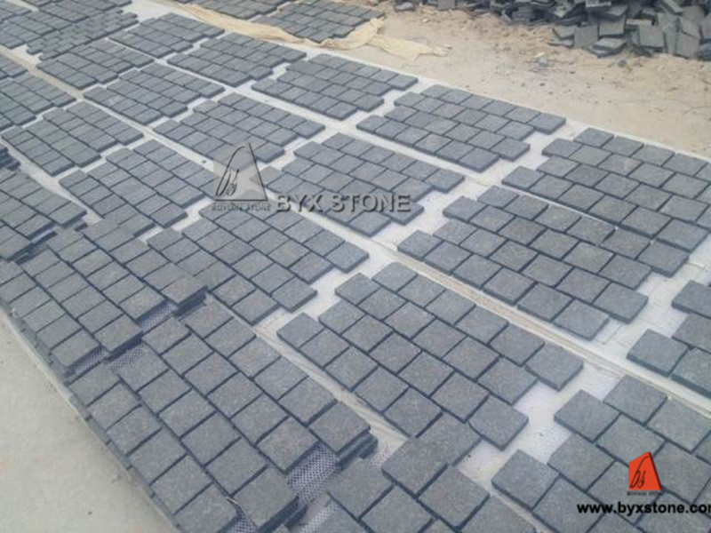 Natural Granite Garden Cobblestone / Paving Stone for Outdoor Garden