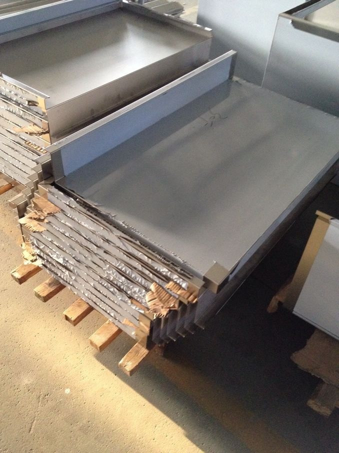 Stainless Steel Soilded Dish Table (HL-CDT24)