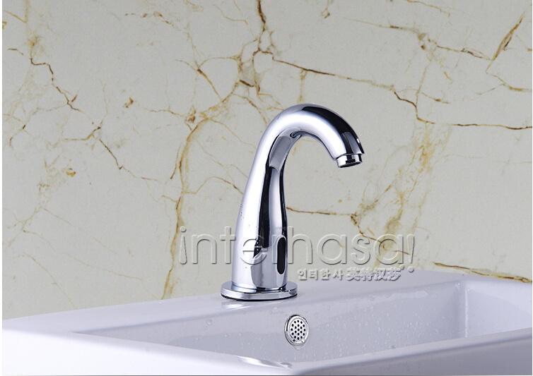 Deck-Mounted Bathroom No Handle Toilet Automatic Tap Sensor Intelligent Brass Faucet