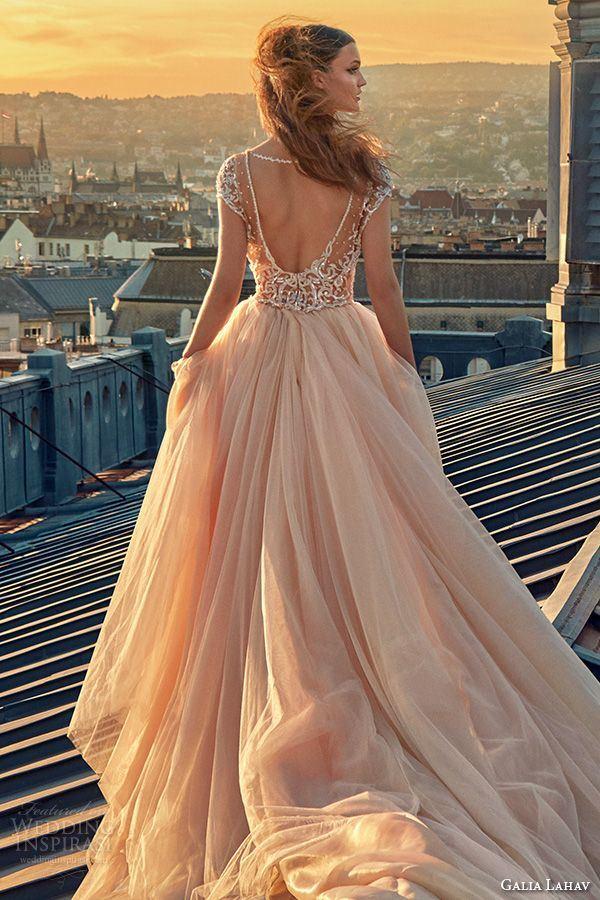 New Designed Ball Gown A Line Strapless Sleeveless Empire Waist Beaded Organza Court Train Wedding Dresses China (HS072)