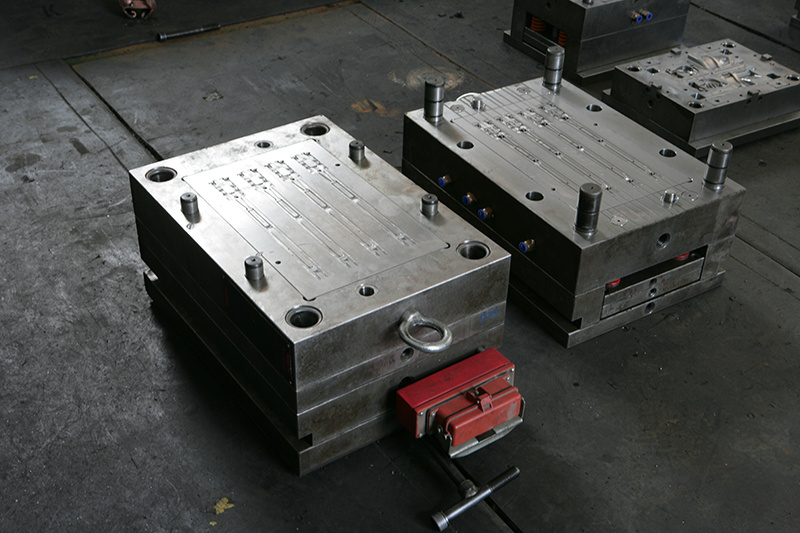 Plastic Injection Mould for Textile Machinery