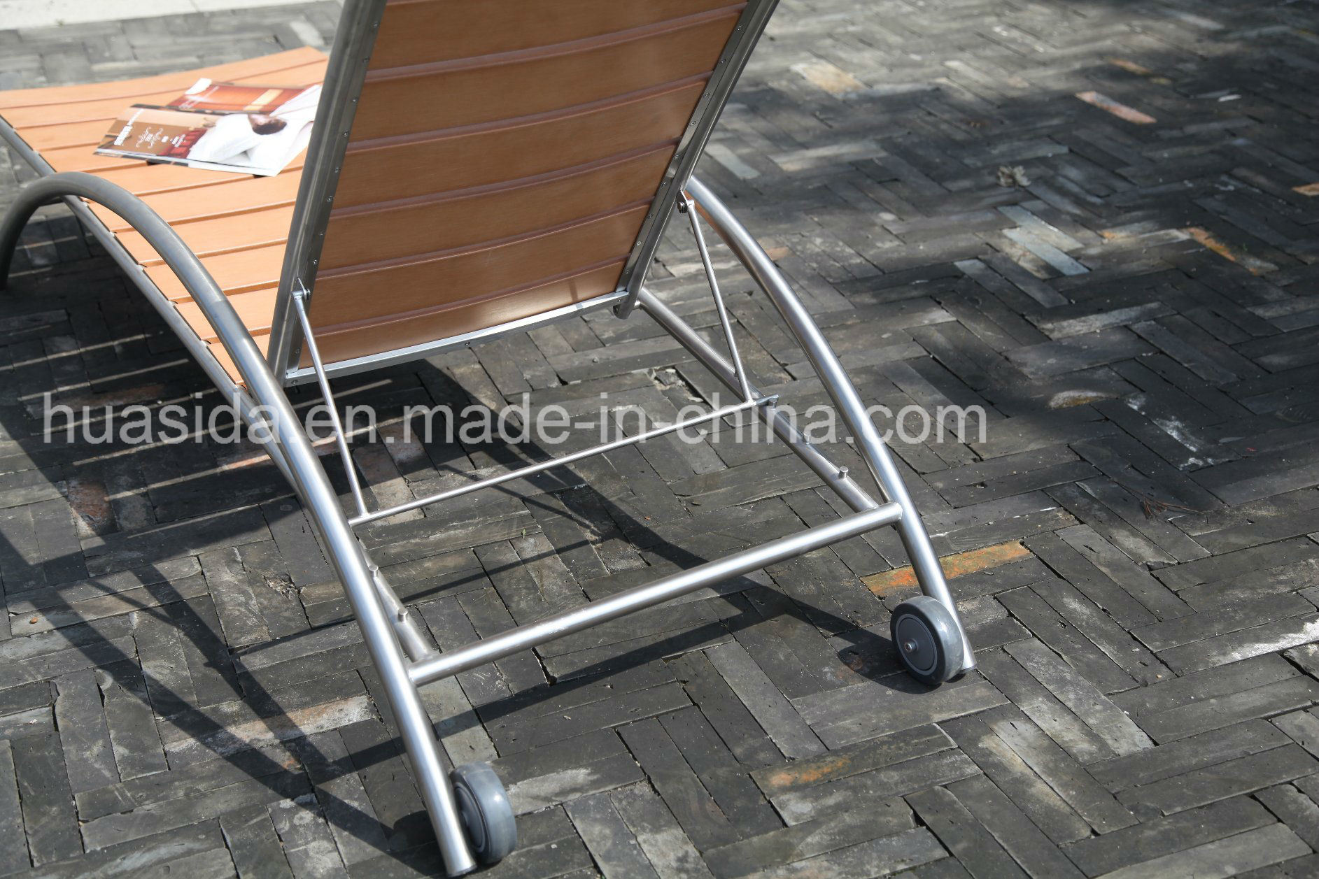 Stainless Steel Poly Wood Lounger Using in Hotel Beach Garden