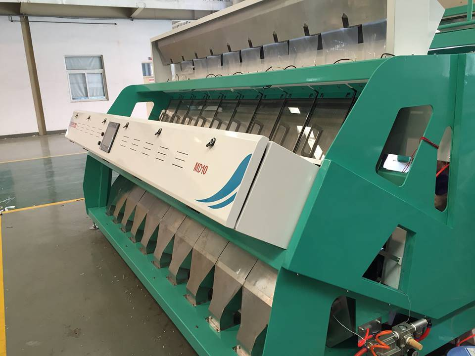 2017 New CCD Color Sorter Machine with Big Capacity