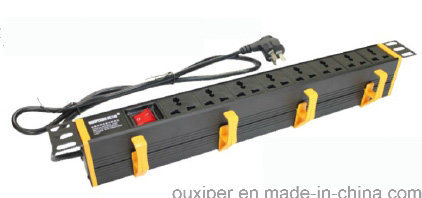 Intelligent PDU with Current and Voltage Display