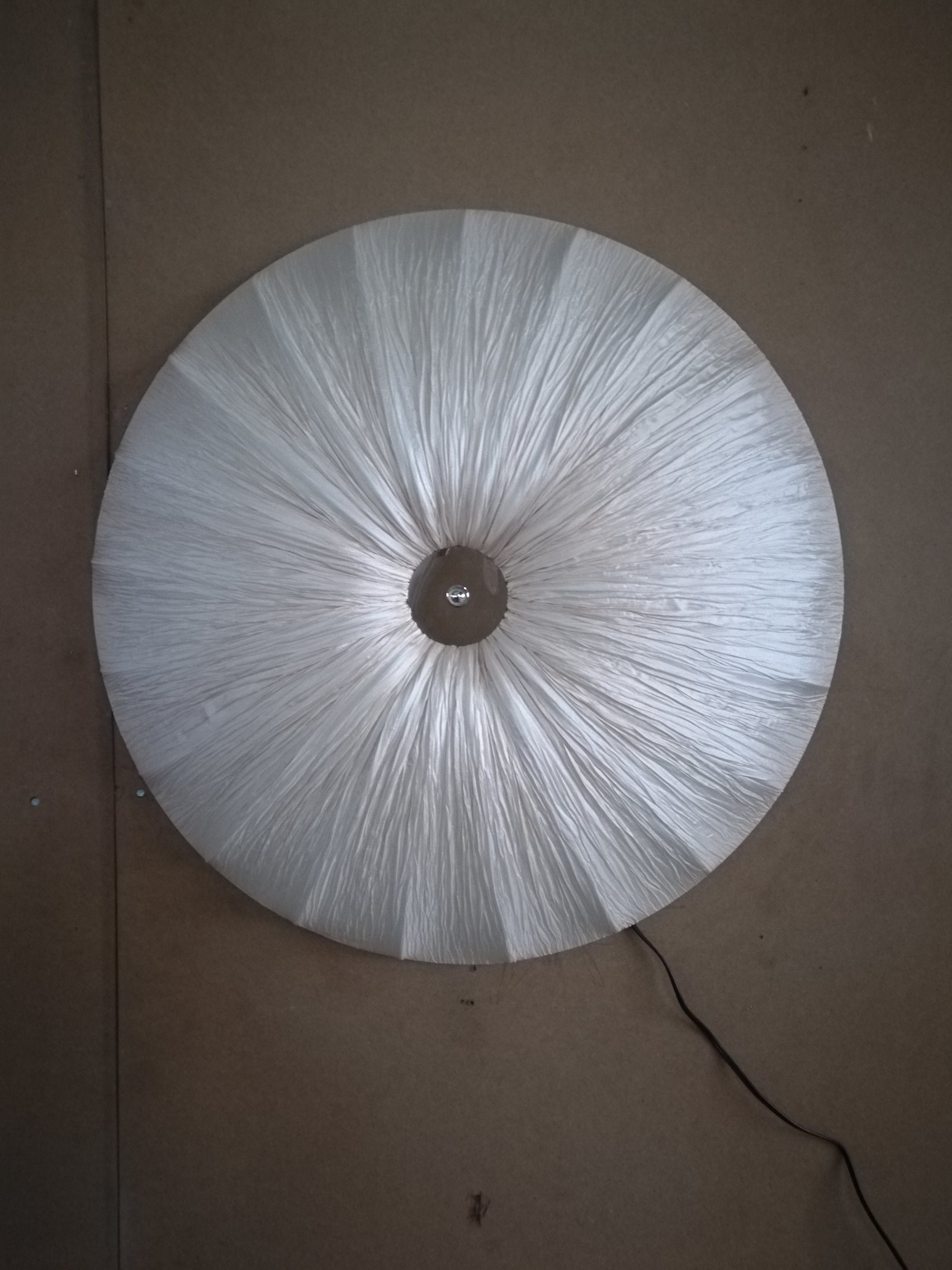 Round Shade Wrinkled Fabric Ceiling Lamp with 3 Sockets (C5006147)