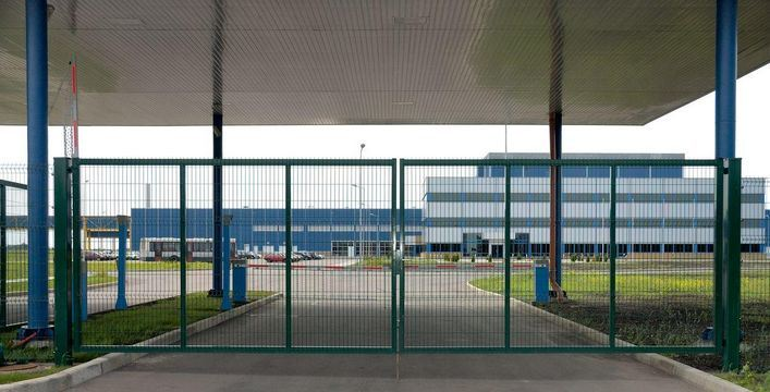 China wire mesh fence gate c
