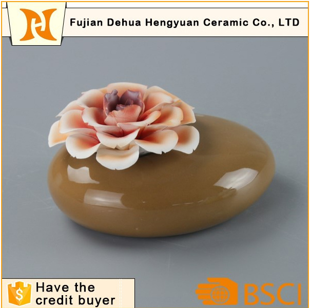 Aroma Stone Jar Ceramic Perfume Bottle with Flower Cap