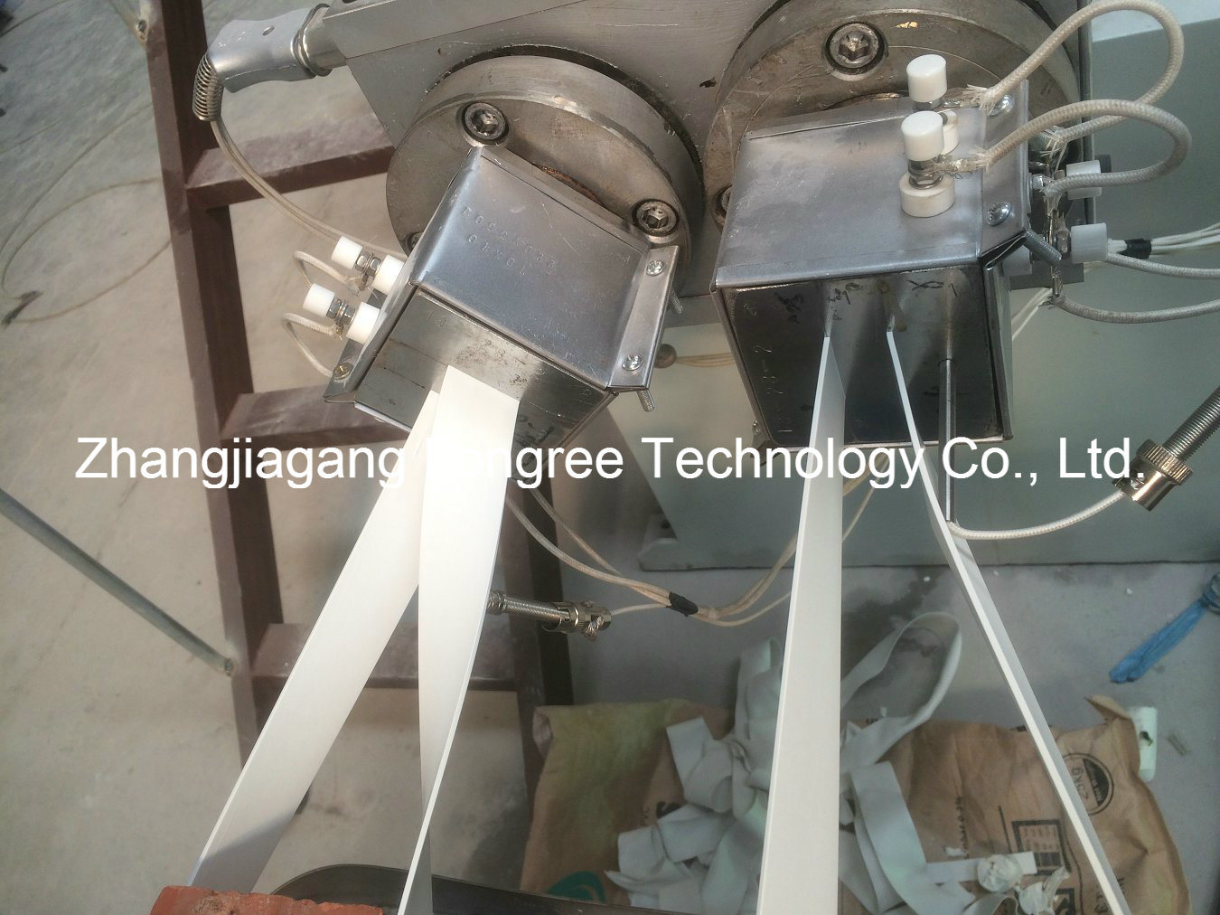 PVC Edge Banding Extrusion Line High Glossy Wood Grain Edge Banding Machine