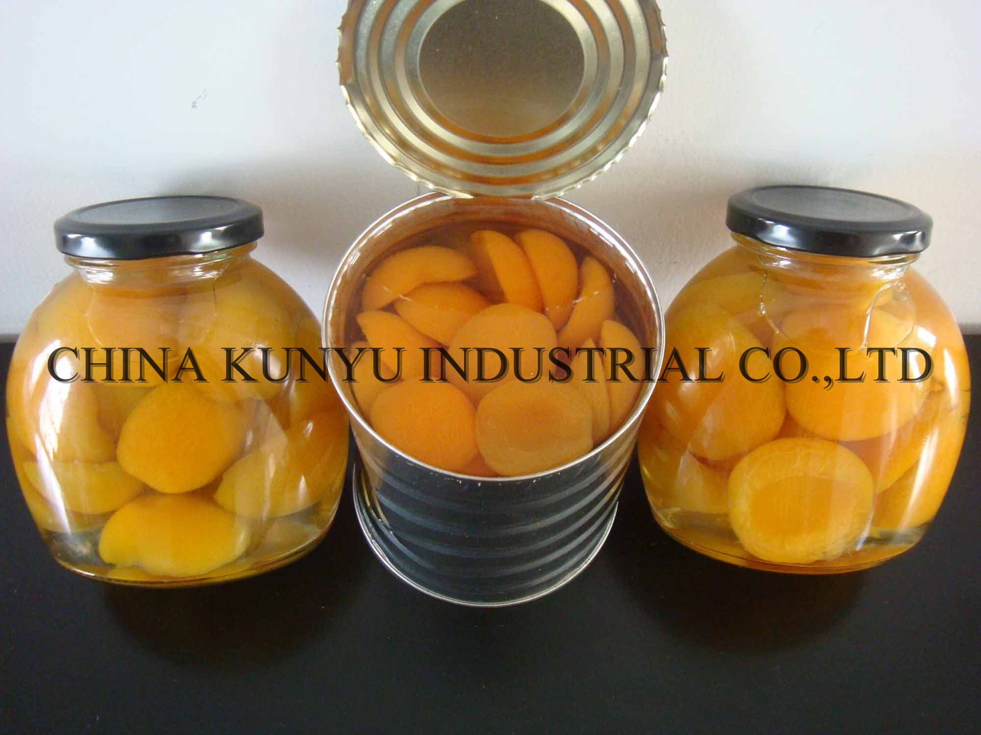 Apricot in Tin with High Quality