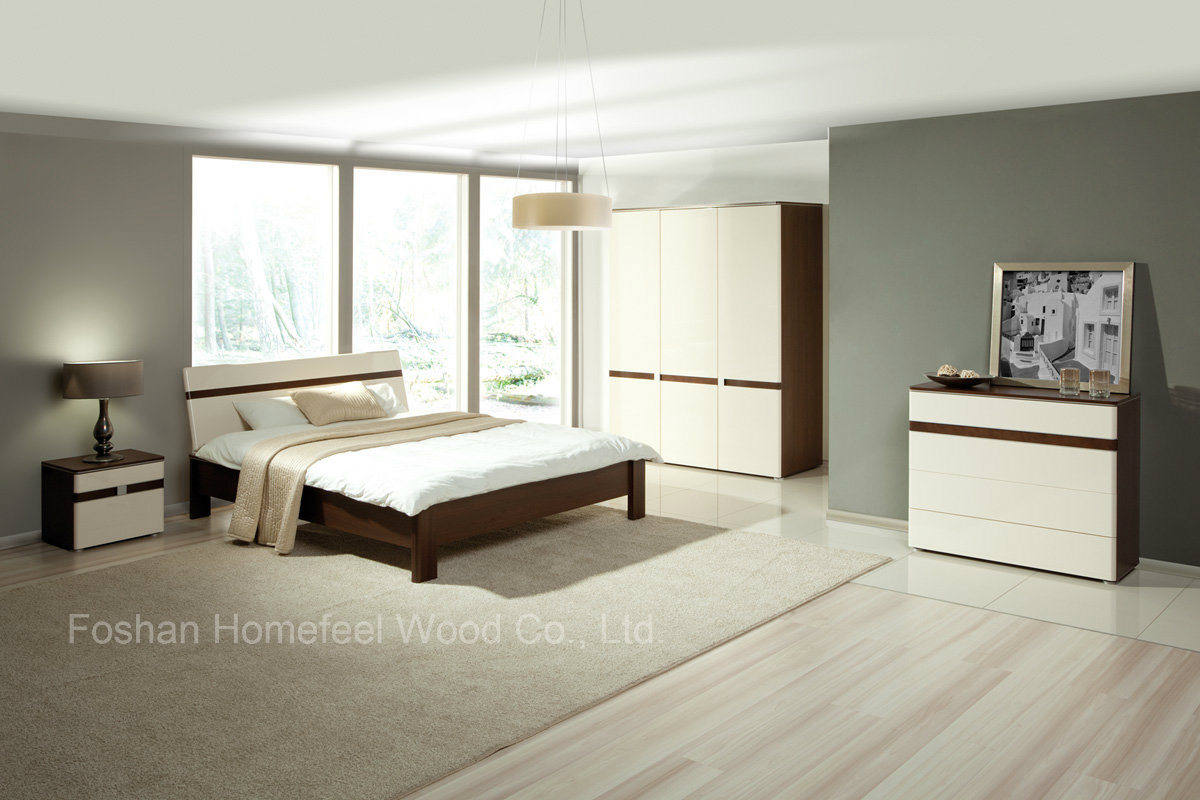 Hot Sell Modern Wooden Bedroom Furniture Set (HF-EY080411)