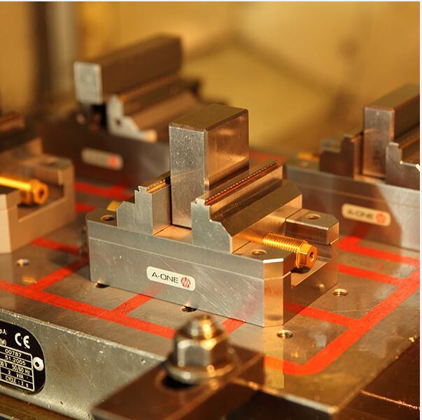 a-One CNC 5 Axis Self Centering Precision Vise for Precision Machine (3A-110021)