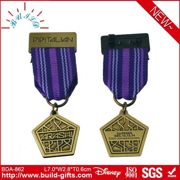 Promotional OEM ODM Custom Lapel Manufacturer Pin Badges Audited by Disney