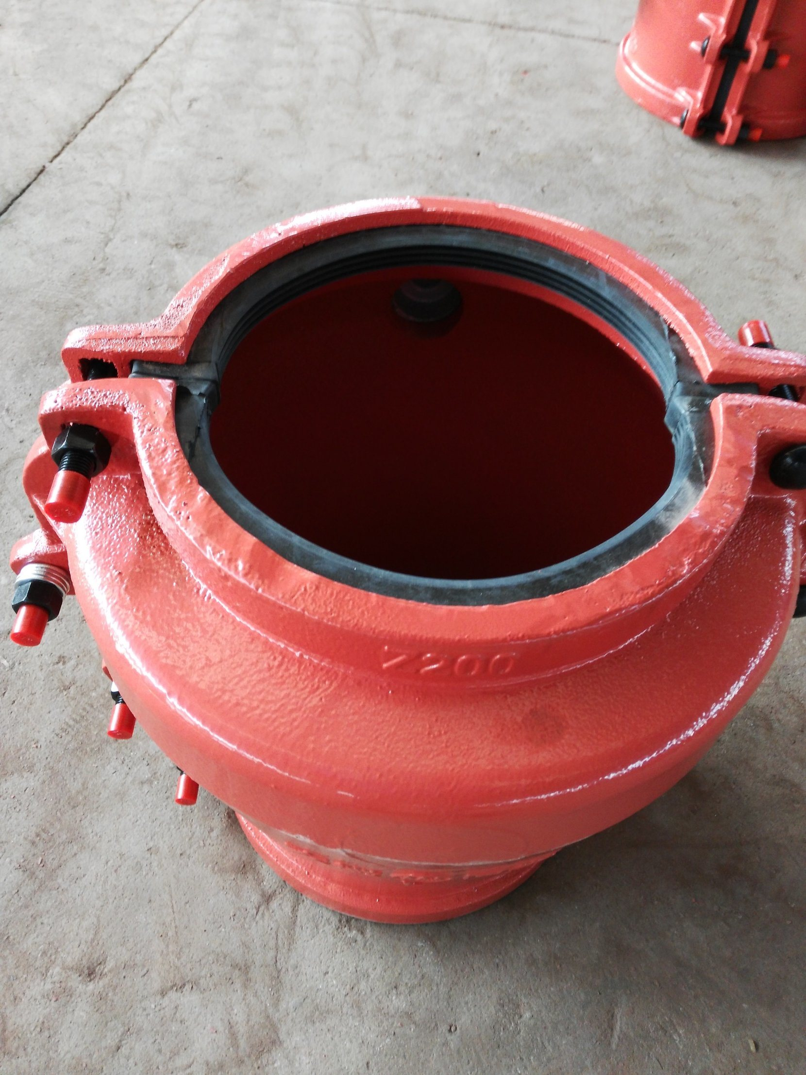 Pipe Repair Clamp Z200, Pipe Repair Coupling, Repair Pipe Clamp for Concrete Pipe. Leaking Pipe Quick Repair.