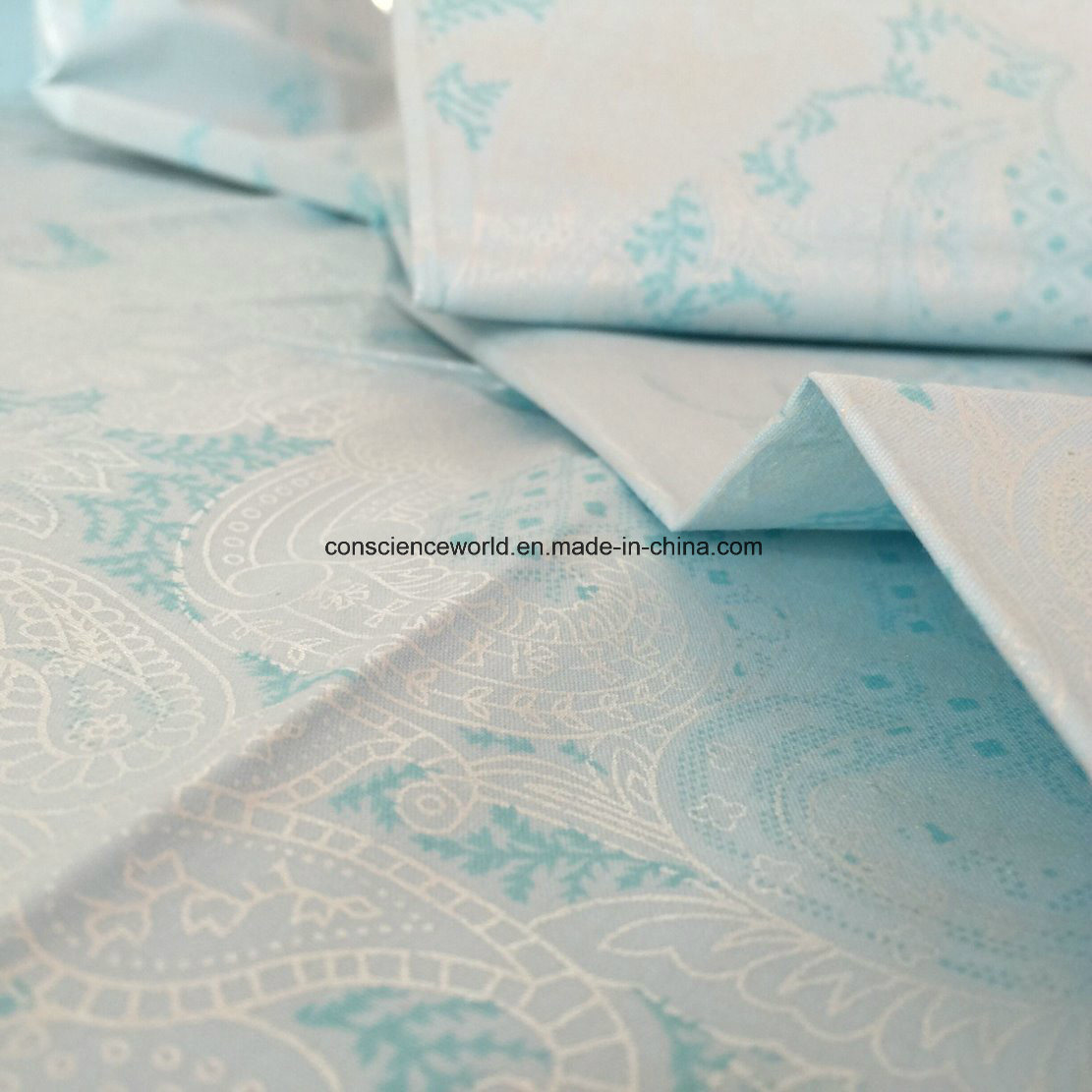 Polyester/Cotton50/50 140GSM Pearl Powder Printed Down-Proof Fabric for Home Textile