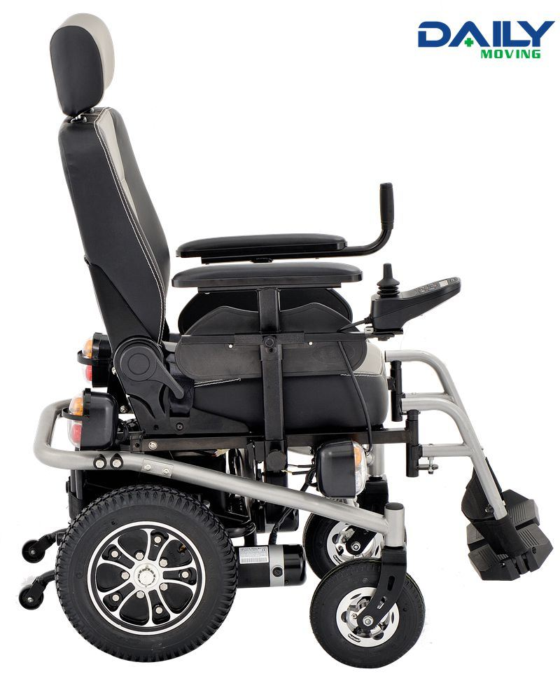 Heavy Duty Power Wheelchair with Lamp System Dp600