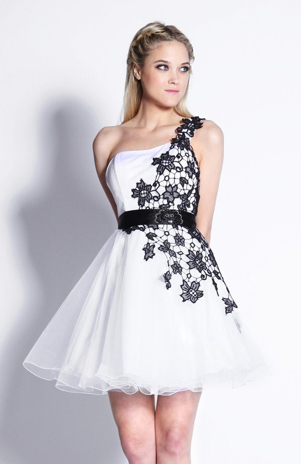 China Actual Images Pretty One Shoulder White And Black Mini Sleeveless Ball Gown Homecoming