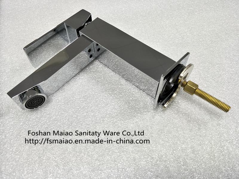 Watermark Modern Bathroom Single Handle Brass Basin Tap (HD4250)