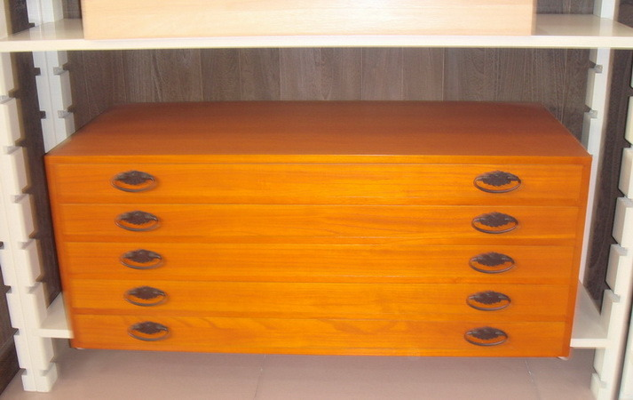 Wooden clothes cabinet china