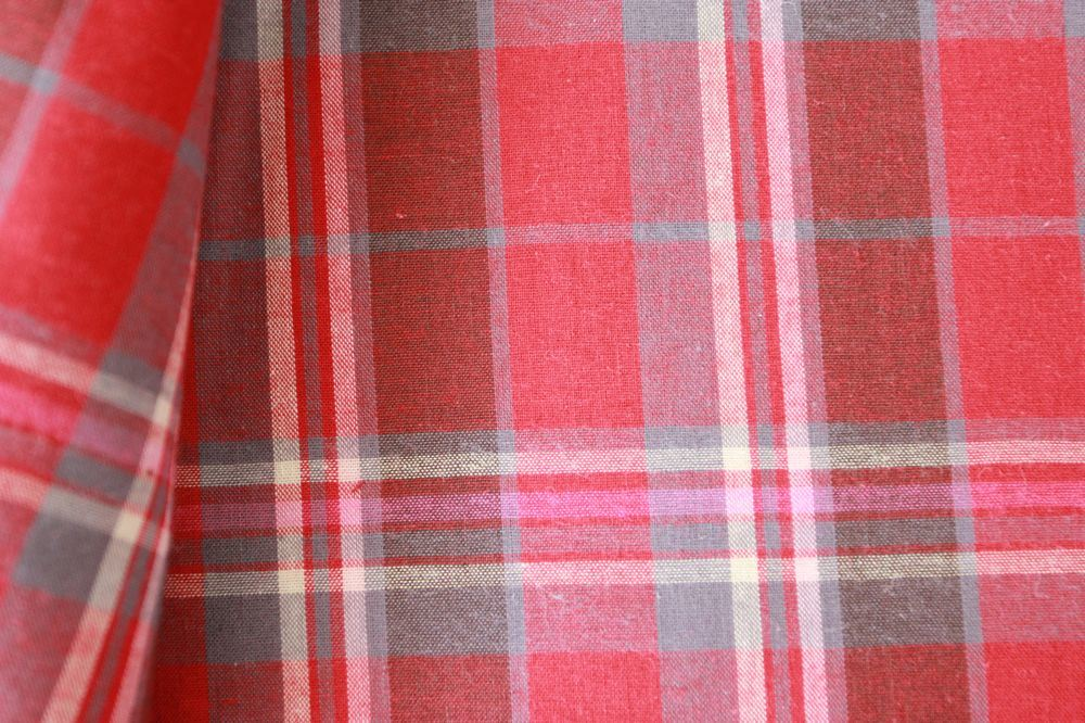 Polyester Yarn-Dyed Gingham Fabric (QDFAB-2908)