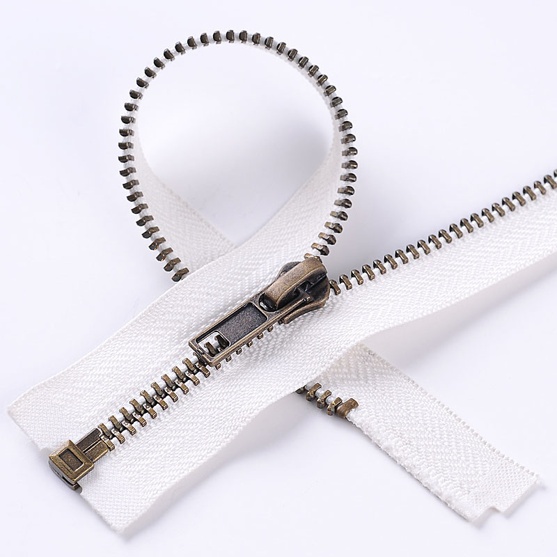 No. 5 Anti-Brass Zipper with High Quality