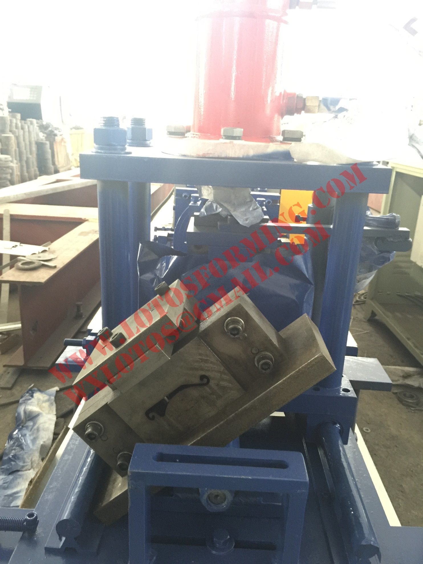 New Design 2 in 1 Single Layer Door Shutter Machine Lts-76
