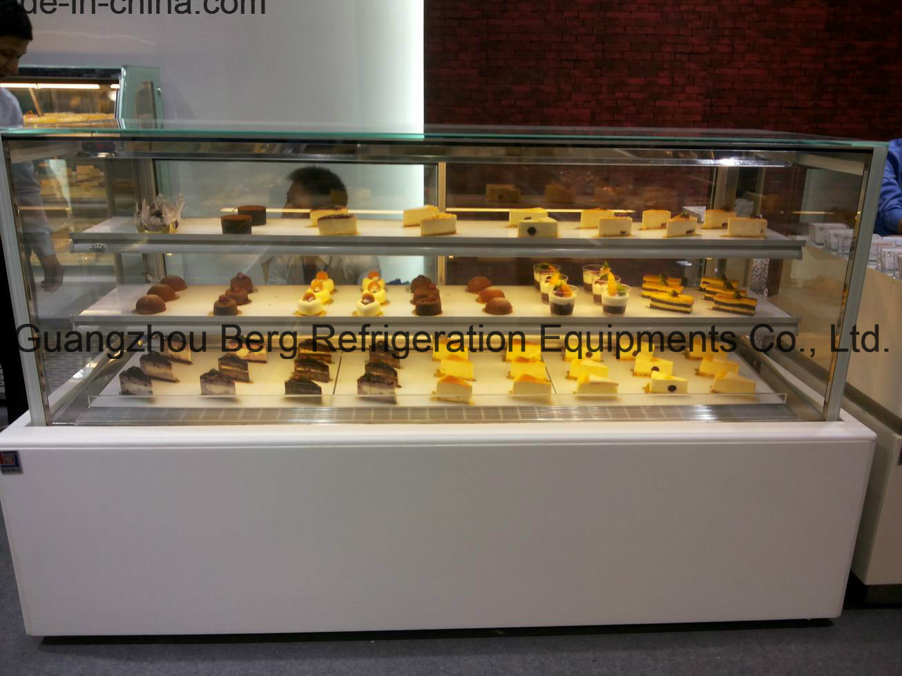High Quality Bakery Cake Display Showcases (WZ4-4R)