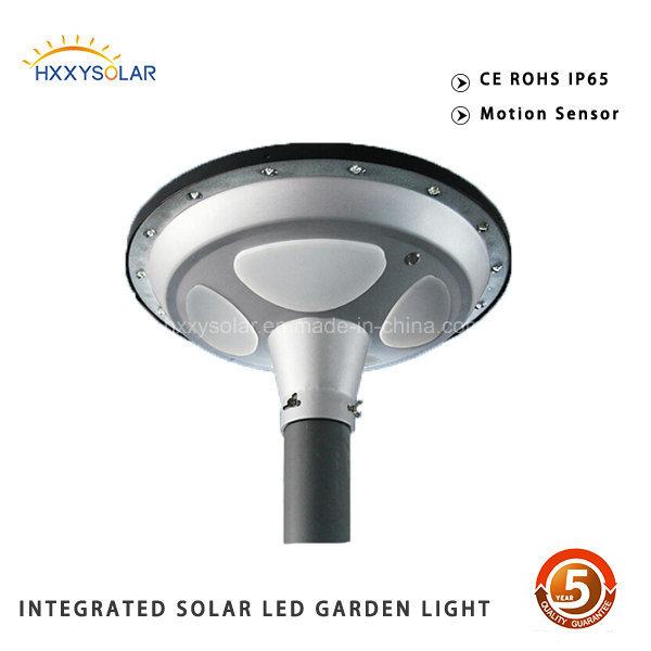 Auto Sensing 15W Solar Garden Lighting Pole Light UFO
