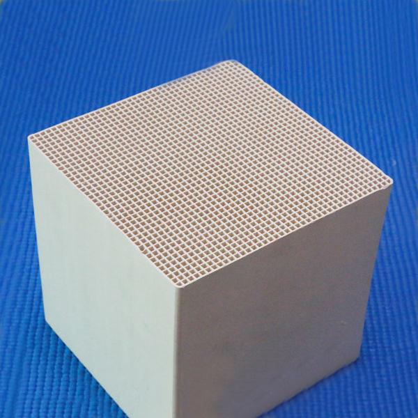 Honeycomb Ceramic Heat Accumulation Substrate for Heater Gas Accumulator Porous (Ceramic Honeycomb Regenerator)