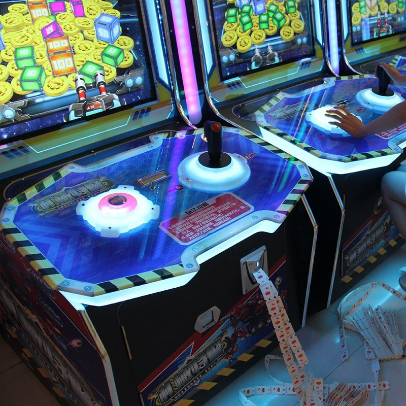 47 Inch High Profits and Hot-Selling Robocop Arcade Game Machine Combines The Robots, Gun Shooting, Emulation Pushing Coins and The Lottery Parts