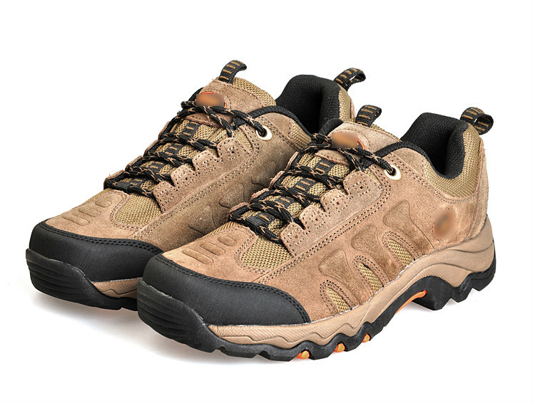 Men′s Outdoor Hiking Shoes