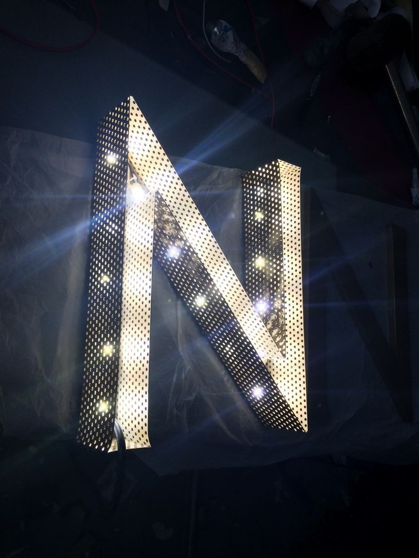 Face-Lit and Side Lit Magic LED Letter Sign