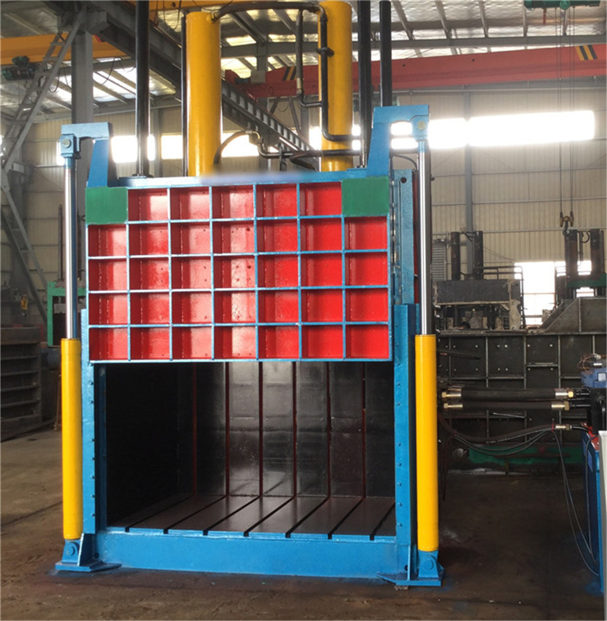 Y82-100 Vertical Packing Machine