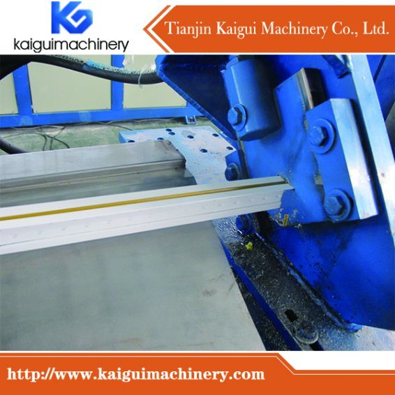 Fut Main Tee Grid Roll Forming Machine