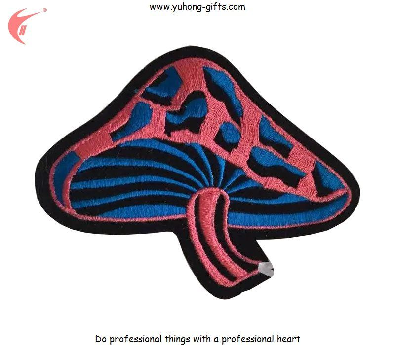 2016 New Design Embroidery Colorful Mushroom Patches Back Iron on (YH-EB136)