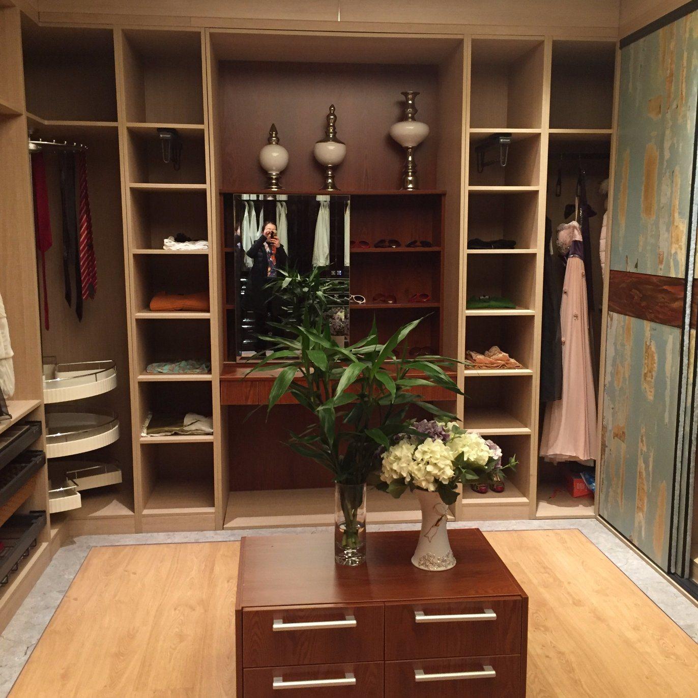 Welbom Latested Solid Wood Wardrobe Design