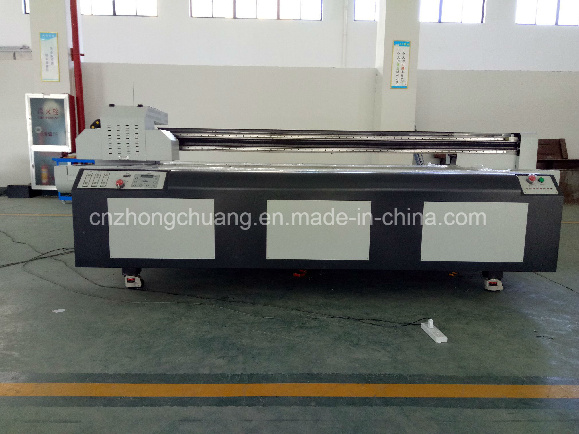 2017 Latest UV Flatbed Printer for Ceramic/ Acrylic/ PVC/ Textiles
