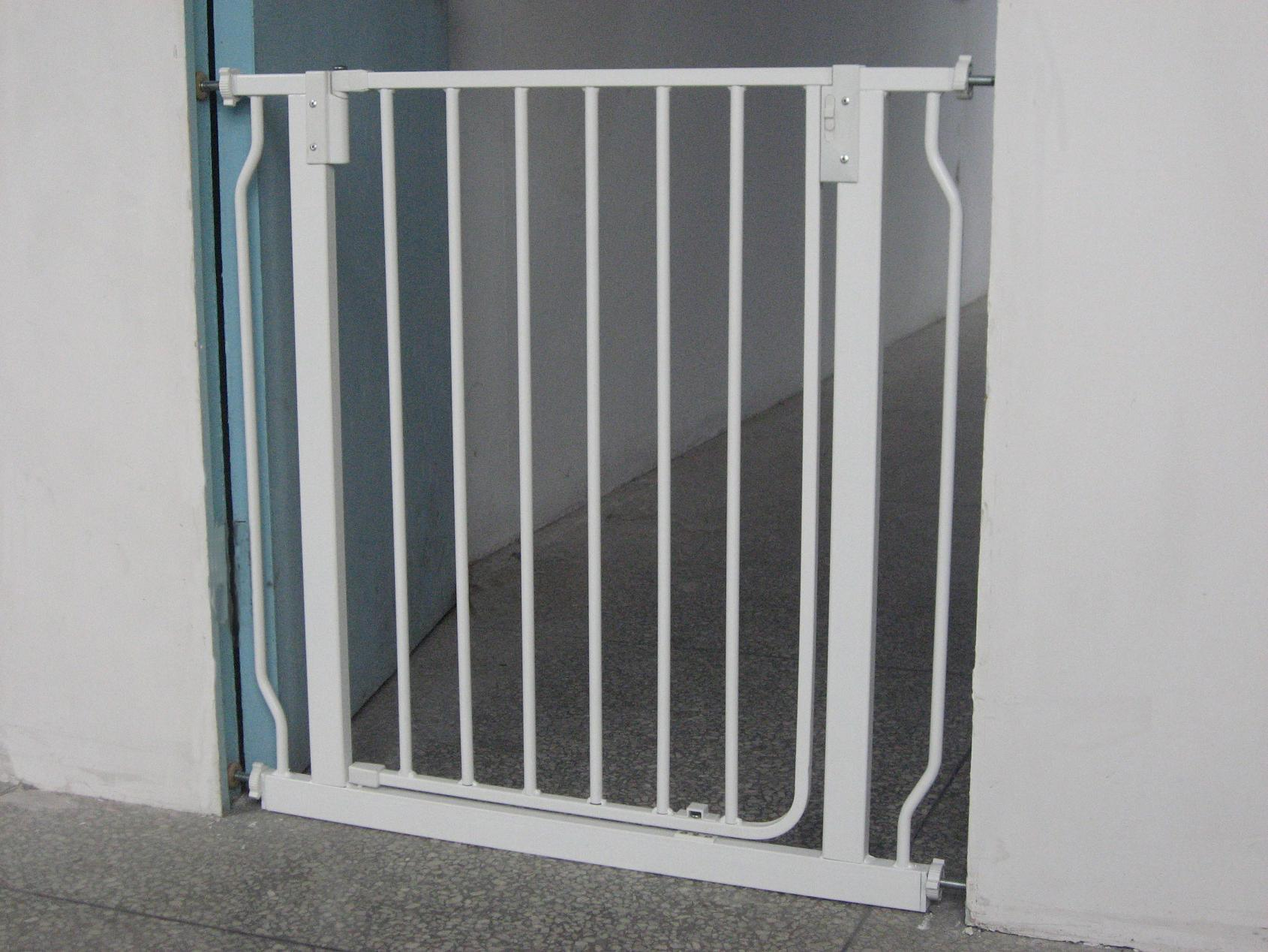 China Child Safety Gate (Metal) (HDL-027) - China Baby Safety Gate ...