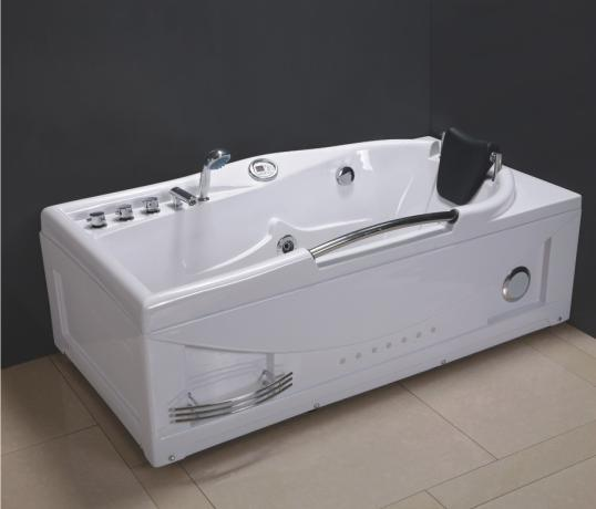 China jacuzzi bathtub xh 8013 china bathtub jacuzzi for Bathroom jacuzzi tubs