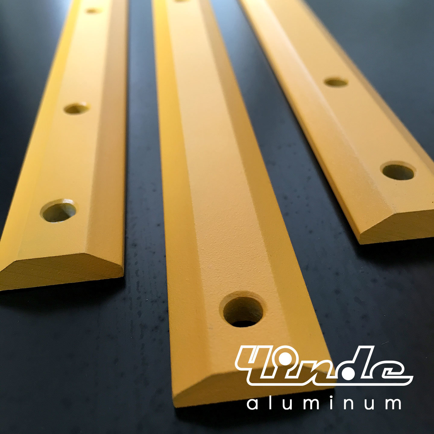 Deep Processed Aluminum Bar with Color Coated
