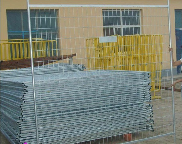 Factory Supply High Quality Farm Gate/Bar Gate/Welded Mesh Gate
