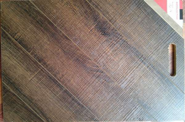 Horizontal Vein Laminate Flooring on 8mm and 12mm